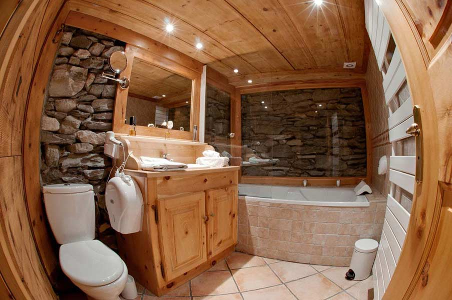 tignes chalet rental location appartements en chalet luxe. Black Bedroom Furniture Sets. Home Design Ideas